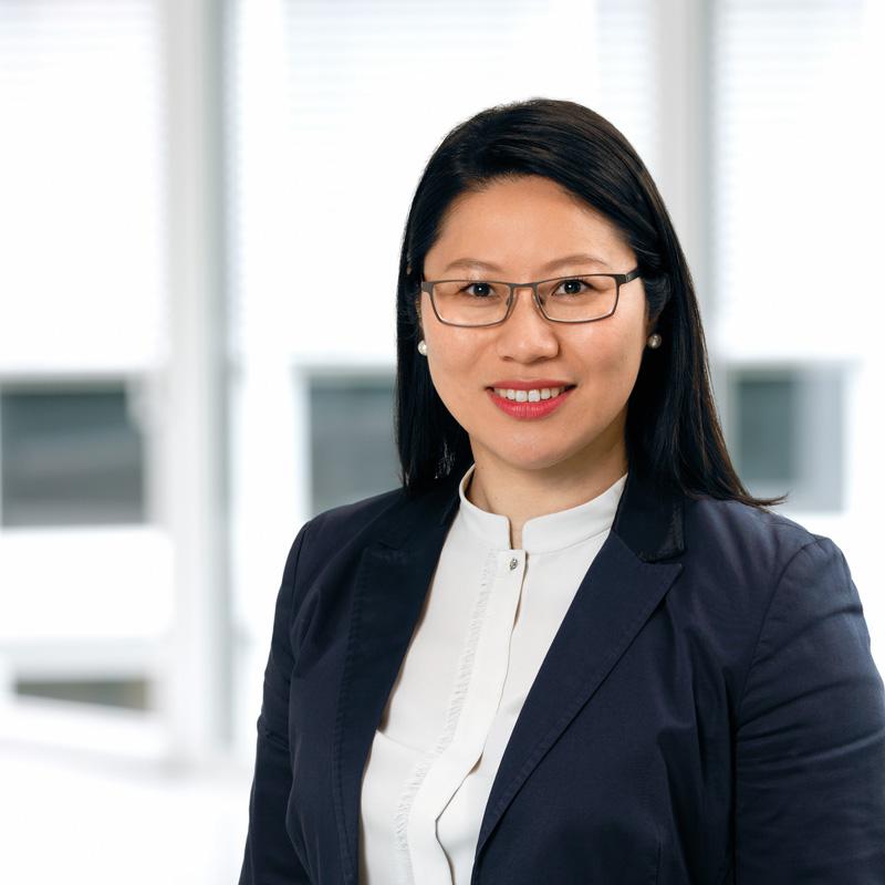 Treuhand Mitarbeiter Direktor Asia Desk Wei Zuo